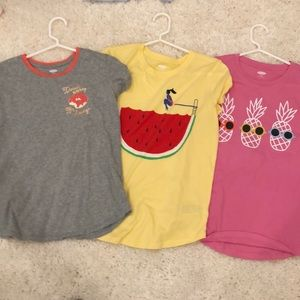 3 girls t shirts old navy